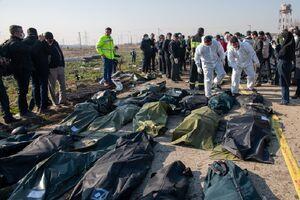 تحویل پیکر ۲۷ جانباخته حادثه هوایی به خانوادهها
