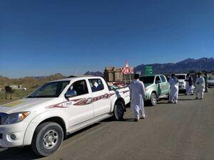 عکس/ سیل مهربانی در مسیر مناطق سیل زده بلوچستان