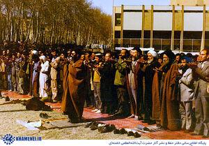 مقایسه آیتالله خامنهای از نماز جمعه قبل و بعد از انقلاب