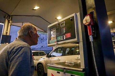 فیلم/ آیا یک لیتر پمپ بنزینها واقعا یک لیتر است؟
