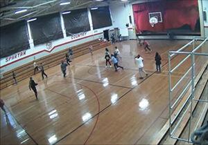 فیلم/ تخریب سالن ورزشی توسط طوفان وحشتناک!