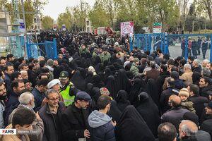 تصاویر زنده شبکه الجزیره از حضور گسترده نمازگزاران تهران
