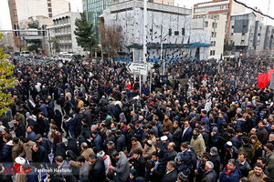 عکس/ ازدحام جمعیت در ورودی مصلی امام خمینی (ره)