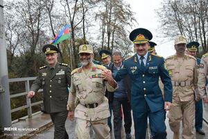 صمیمیت خاص فرماندهان مرزبانی ایران و جمهوری آذربایجان + عکس