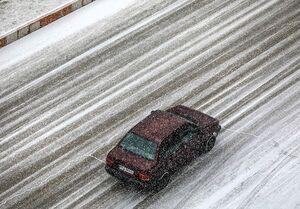 تداوم بارش برف و باران در جادههای ۱۰ استان