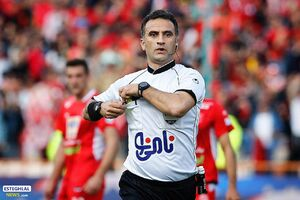 خورشیدی: تصمیمات AFC ظلم به فوتبال ماست
