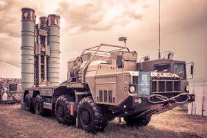 تحویل ۱۲۰ فروند موشک سامانه اس-400 به ارتش ترکیه/ ادامه دهن کجی اردوغان به تهدید امریکا و غرب +عکس