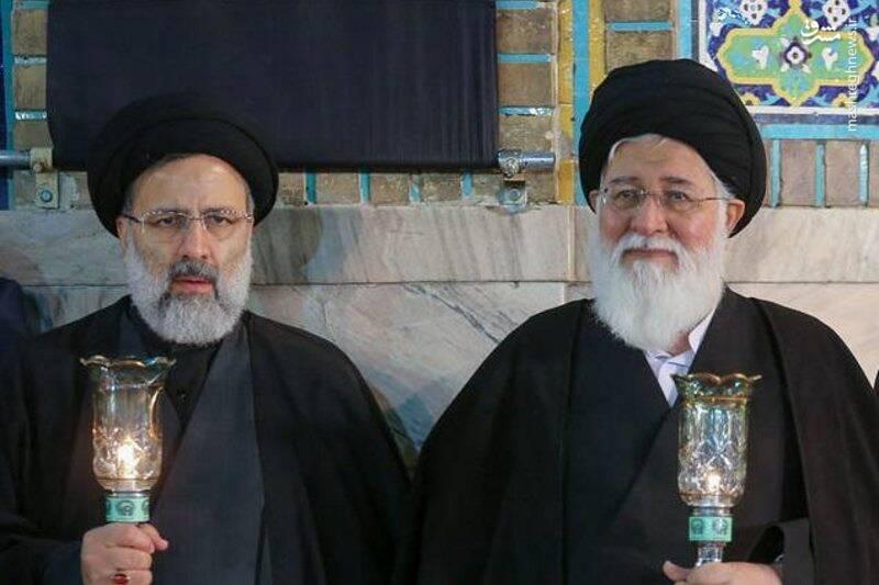 حمله به بزرگان مشهد با نمادهای فیلم عنکبوت
