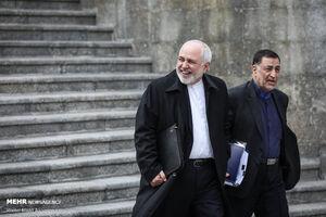 عکس/ خندههای ظریف در حاشیه جلسه هیات دولت