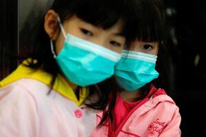 فیلم/ صف مقابل داروخانه برای خرید ماسک