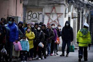 عکس/ هجوم مردم برای خرید ماسک
