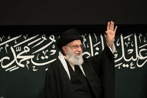 عکس/ نخستین شب عزاداری حضرت زهرا باحضور رهبر انقلاب