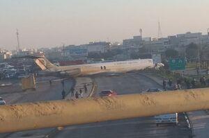 خروج هواپیما از باند فرودگاه ماهشهر +عکس و فیلم