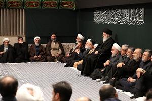 دومین شب عزاداری حضرت زهرا در حسینیه امام خمینی با حضور رهبر انقلاب