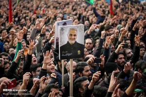 عکس/ بدرقه فاطمیه درمیدان امام خمینی(ره)