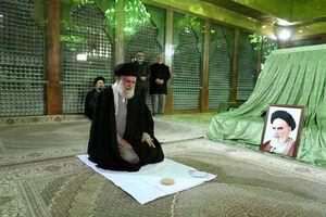 رهبر انقلاب صبح امروز در مرقد امام خمینی(ره) و گلزار شهدا حضور یافتند