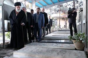 عکس/ حضور رهبر انقلاب در گلزار شهدای بهشت زهرا