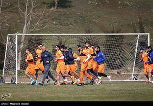 تمرین تیم فوتبال استقلال پیش از دربی