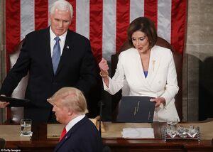 بیادبی ترامپ در کنگره