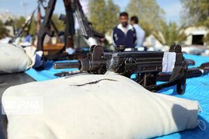 عکس/ سلاحهای کشف شده از باند قاچاق مواد مخدر