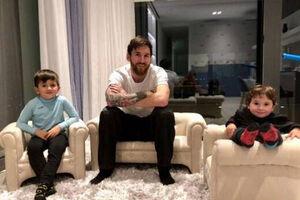 فیلم/ کلاس تمرینی مسی برای فرزندانش
