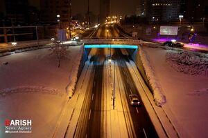 عکس/ جلوه زیبای شهر ارومیه در یک شب برفی