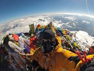 از بالای اورست زمین را ببینید!