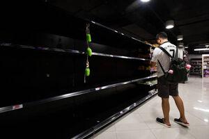 هجوم به فروشگاهها به دلیل ترس از کرونا