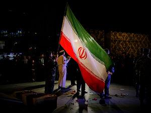 """عکس/ اجرای میدانی """"راه ناتمام"""" به مناسبت دهه فجر"""