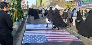 فیلم/ پرچم رژیم صهیونیستی زیر پای راهپیمایان تهرانی