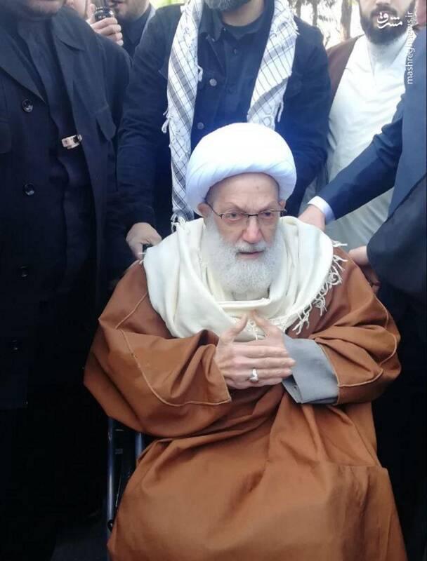 شیخ عیسی قاسم، رهبر شیعیان بحرین در راهپیمایی 22 بهمن قم