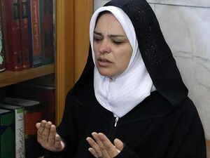 تشرف بانوی مسیحی به دین اسلام در حرم ثامنالائمه(ع)