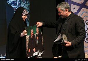 عکس/ هدیه ای که سردار جعفری را شاد کرد