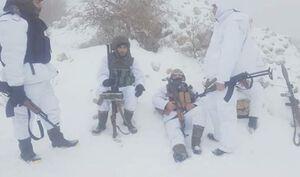 سربازان ارتش سوریه با لباس پوشش زمستانی