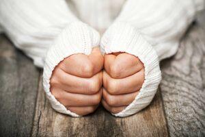 در مواجهه با فرد سرمازده چه باید کرد؟