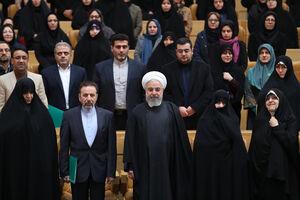 عکس/ روحانی در مراسم گرامیداشت روز زن