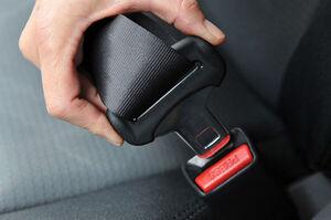 اعمال جریمه برای رانندگان خودرو با سرنشین بدون کمربند