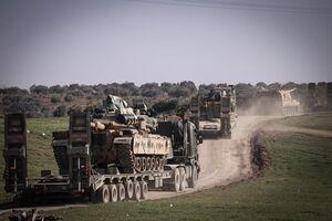 ترکیه ۱۵۰ دستگاه تانک و توپخانه خودکششی به ادلب اعزام کرد +عکس