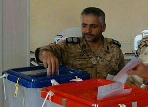عکس/شهید مدافع محمدرضایی پای صندوق رأی