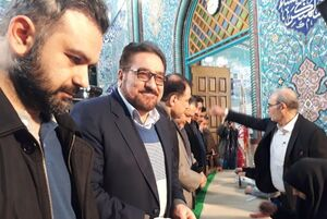عکس/ حضور تابش در حسینیه جماران