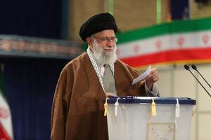 شرکت رهبرانقلاب در یازدهمین دوره انتخابات مجلس شورای اسلامی