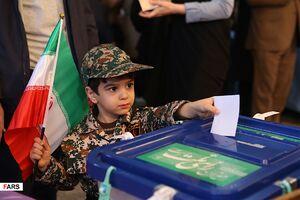 تصاویر لحظه ای از انتخابات در دیار آفتاب
