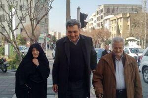 عکس/ شهردار تهران به همراه چه اشخاصی رای داد