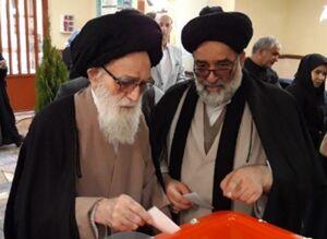 عکس/ امام جمعه 95 ساله پای صندوق رای