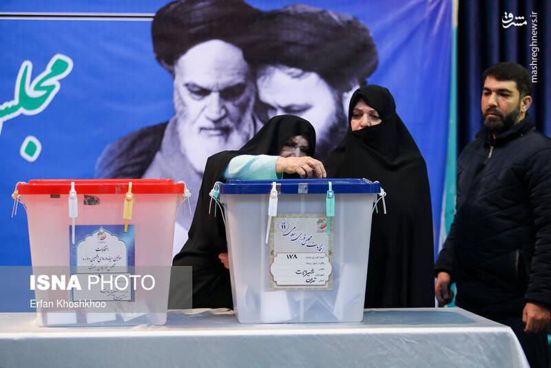 حضور زهرا مصطفوی در پای صندوق رای حسینیه جماران - انتخابات ۹۸