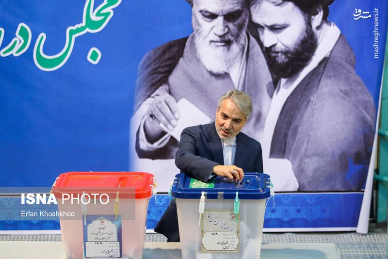 حضور محمدباقر نوبخت در پای صندوق رای حسینیه جماران - انتخابات ۹۸