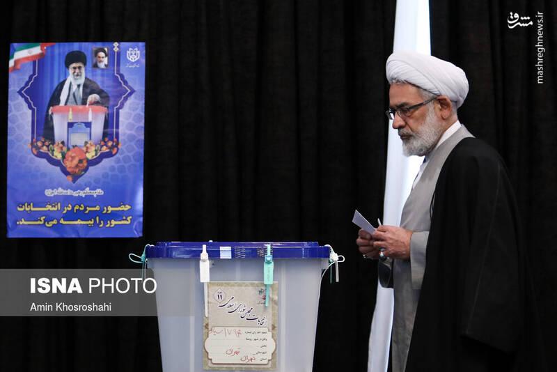 حضور حجت الاسلام منتظری در پای صندوق رای شورای نگهبان- انتخابات ۹۸