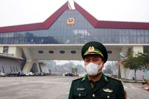 عکس/ پیشگیری از شیوع کرونا در مرز ویتنام چین