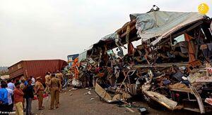 عکس/ تصادف مرگبار تریلی با اتوبوس در هند