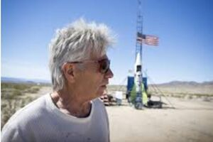 یک آمریکایی در راه اثبات صاف بودن زمین کشته شد +فیلم
